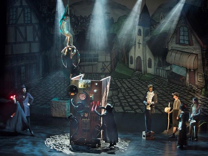Bildet av Dissimilis på scenen på den norsk opera og ballett.