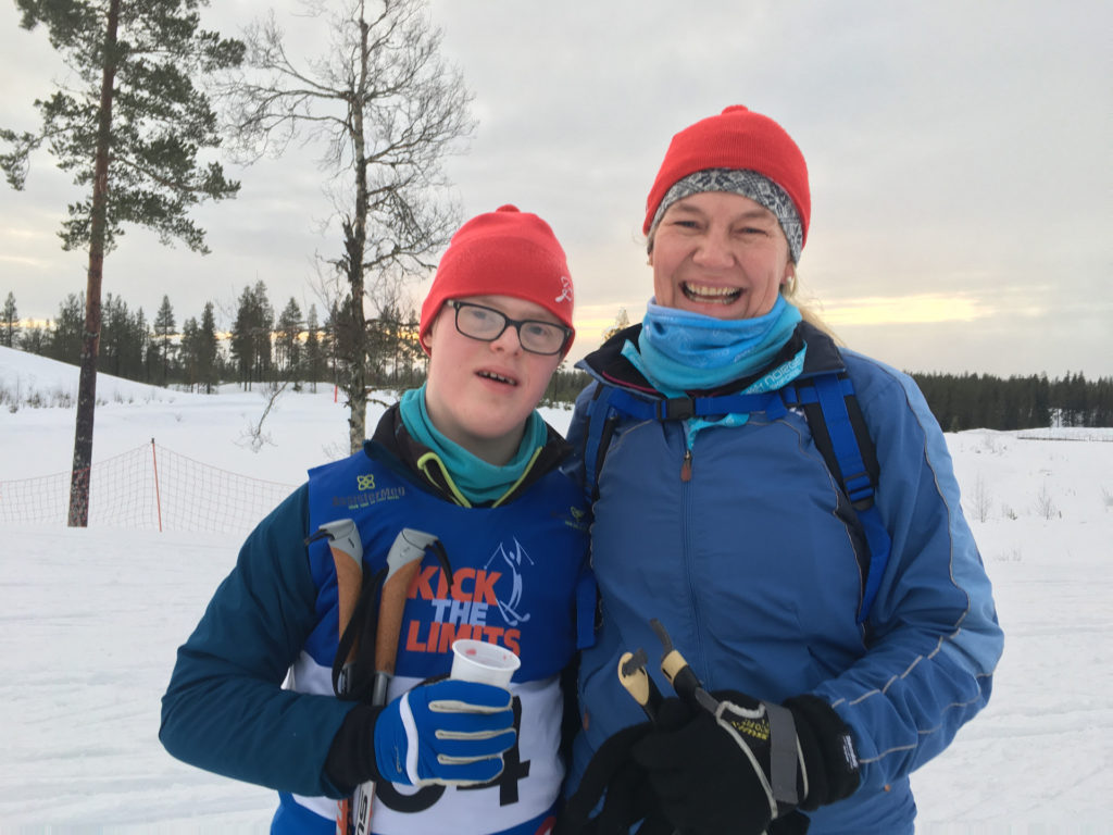 Amy og Petter Baumann på skitur
